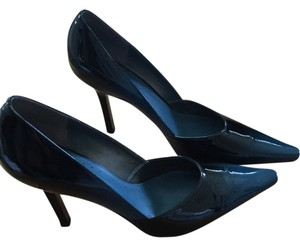 BCBGeneration Black and Blue Pumps