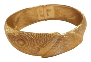 MONET Monet Goldtone vintage bangle BRACELET