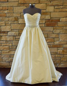 Paloma Blanca 4104 Wedding Dress