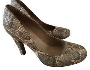 Jessica Simpson Multi Browns and beige Pumps