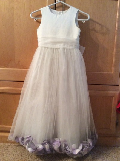 White with Purple Petals and Large Purple Rose Flower Girl Girls Bridesmaid/Mob Dress Size 00 (XXS) Image 1
