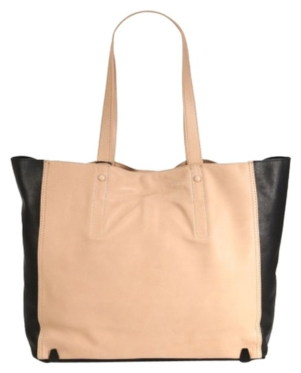 Preload https://img-static.tradesy.com/item/11009890/style-loeff40131-black-and-tan-leather-tote-0-1-540-540.jpg