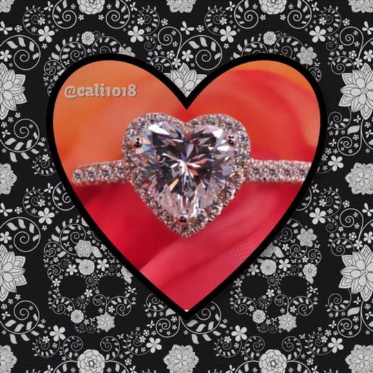 Other Heart Shaped Solitaire Image 0