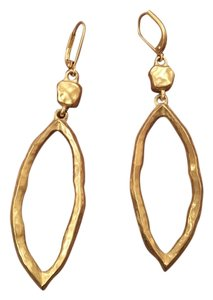 Kenneth Cole Hammer gold hanging earring