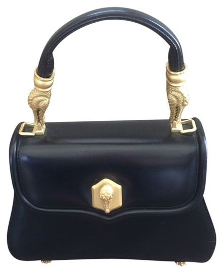 Preload https://img-static.tradesy.com/item/11015632/barry-kieselstein-cord-classic-black-leather-cross-body-bag-0-1-540-540.jpg