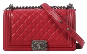 Chanel Red Lambskin Leather Ch.j1123.01 Old Medium Cross Body Bag