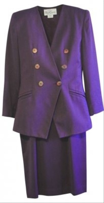 Preload https://img-static.tradesy.com/item/110165/oleg-cassini-eggplant-skirt-suit-size-10-m-0-0-650-650.jpg