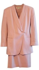 Jones New York Beautiful Soft Pink Skirt Suit