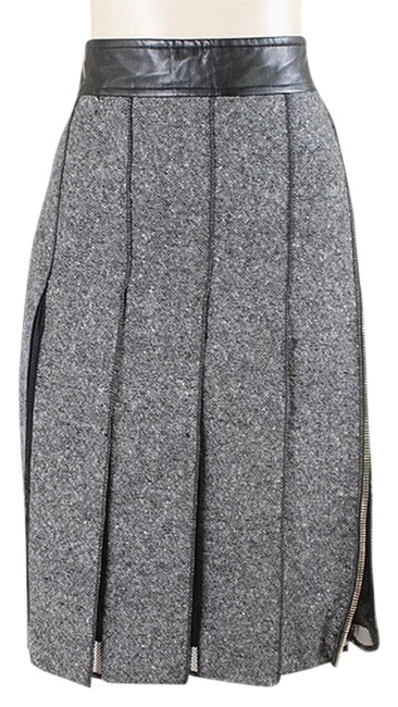 Preload https://item2.tradesy.com/images/sportmax-leather-tweed-pleated-skirt-grey-black-white-1101826-0-0.jpg?width=400&height=650