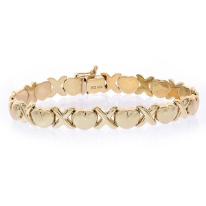 Avital & Co Jewelry 8.1mm Ladies 14k Yellow Gold Hearts And Kisses Bracelet