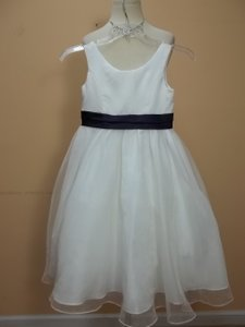 Alfred Angelo Ivory/Eggplant 6143 Size 5 Dress