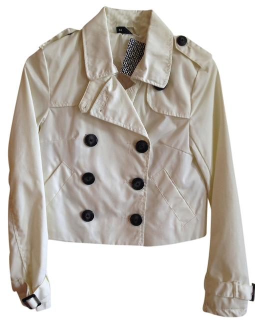 Preload https://item3.tradesy.com/images/divided-by-h-and-m-white-buttons-cropped-pockets-raincoat-size-2-xs-1102167-0-0.jpg?width=400&height=650