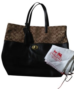 Coach Tote in chocolate leather and brown and khaki signiture