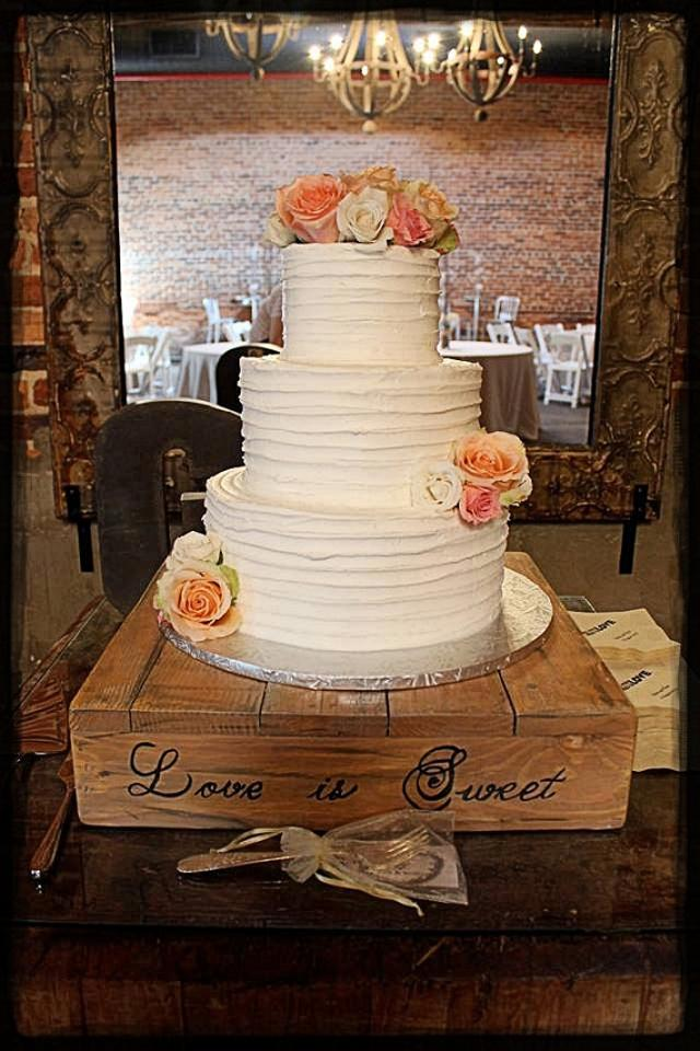 rustic cake stand 16 x 16 wedding cake stand wedding cake woodland wedding barn wood rustic. Black Bedroom Furniture Sets. Home Design Ideas