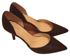 Tahari Blac Pumps
