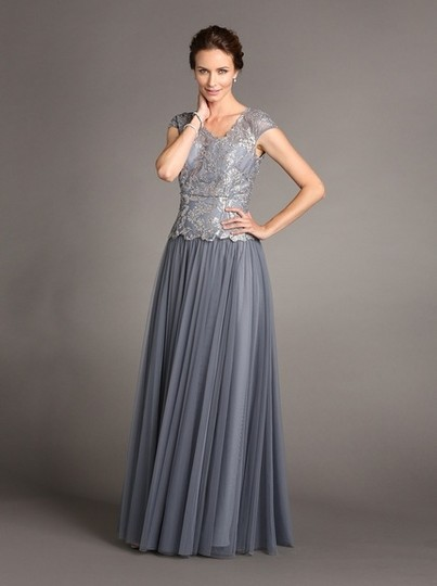 Terani Couture Smoke/Platinum Polyester Formal Bridesmaid/Mob Dress Size 10 (M) Image 0