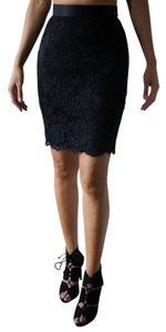 Escada High-waisted Pencil Lace Chic Skirt Black