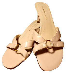 Bandolino Kitten Heel Retro Genuine Leather Nude Sandals