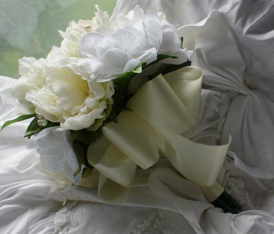 White And Ivory Rose And Peony Bridal Bouquet In Silk