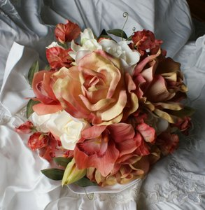 Rose Peaches And Creams Bridal Bridesmaid Bouquet In Silk