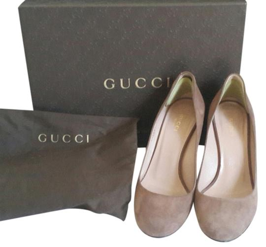 Preload https://item2.tradesy.com/images/gucci-mauve-wedges-1103281-0-0.jpg?width=440&height=440