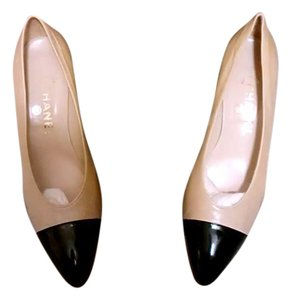 Chanel Vintage Beige, black Pumps