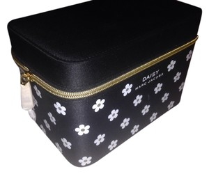 Marc Jacobs New Marc jacobs daisy accessories box