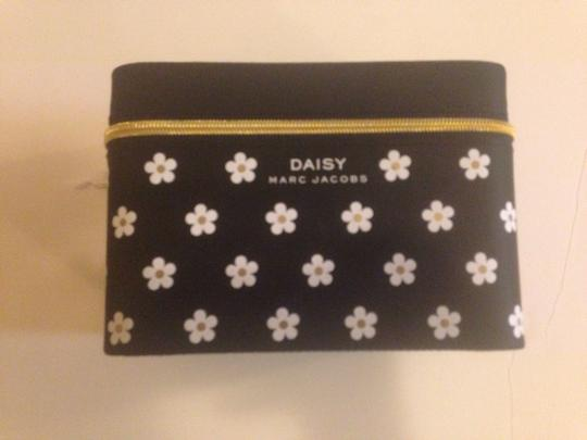 Marc Jacobs New Marc jacobs daisy accessories makeup storage box