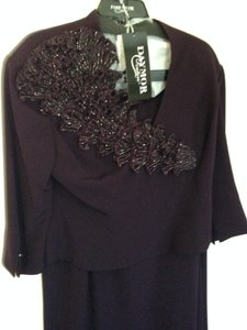 Daymor Couture Aubergine (Eggplant) Lot 211 690 Dress