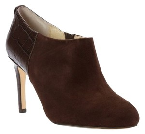 Michael Kors Womens Sammy Ankle Sassy Chocolate Boots