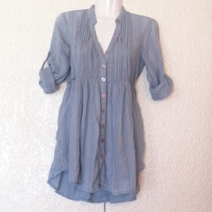 Urban Outfitters Lux Button Down Button Down Shirt Light Blue