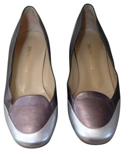 Bruno Magli Dark/ Light Silver Flats