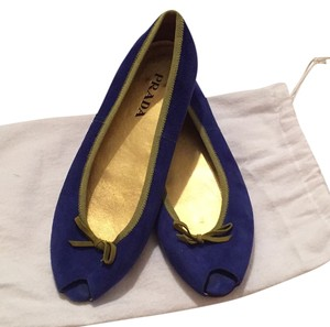 Prada Blue with green lining and bow Flats
