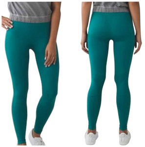 Lululemon New With Tags Zone In Tight Forage Teal Size 4