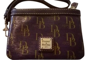 Dooney & Bourke 1975 DB Signature Medium Wristlet 2U08 PM LOT#301083412*FREE SHIPPING