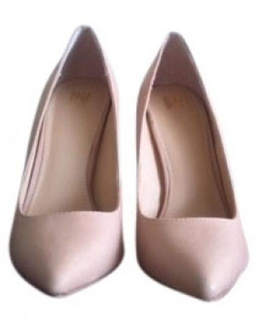 Item - Nude Vs Collection Pointed-toe 1/2 Pumps Size US 7