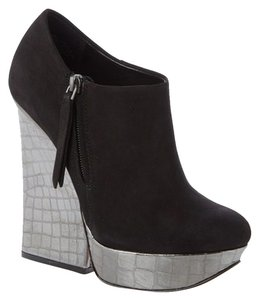 Zigi Black Wedges