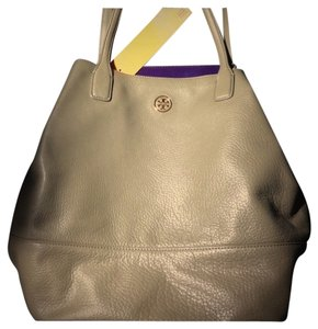 Tory Burch Tote in Thunderstorm