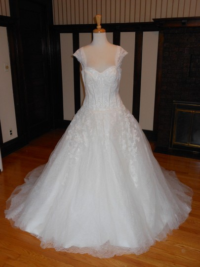 Preload https://img-static.tradesy.com/item/11073268/pronovias-off-white-lace-daren-destination-wedding-dress-size-12-l-0-1-540-540.jpg