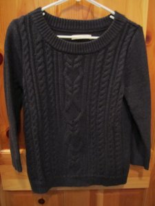 Old Navy Cable Knit Crew Neck Sweater