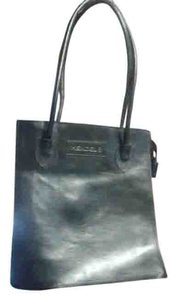Hendel Tote in black thick leather custom made