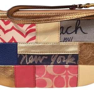 Coach Signature Leather Leather Large Wristlet in Multi/pink/metallic