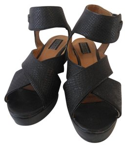 Deena & Ozzy Black crocodile Sandals