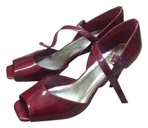 Ann Marino Burgundy Pumps