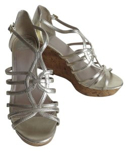 Fergalicious by Fergie Strappy Open Toe Size 8 Gold Wedges
