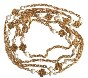 Chanel Vintage Chanel Camellia Necklace In Gold Plating and Pearls
