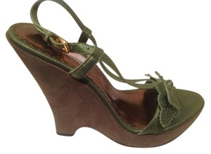 Jennifer Lopez Cute Front Leather Bow Green suede Wedges