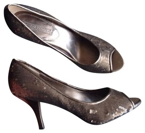Banana Republic Bronze Pumps