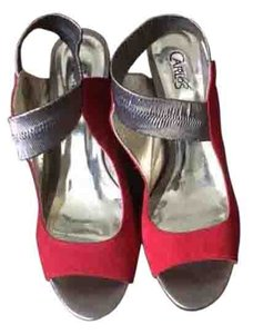 Carlos by Carlos Santana Red, Gold Sandals