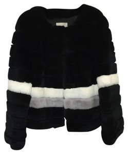 Punto Fashion Black White And Mink Fur Coat
